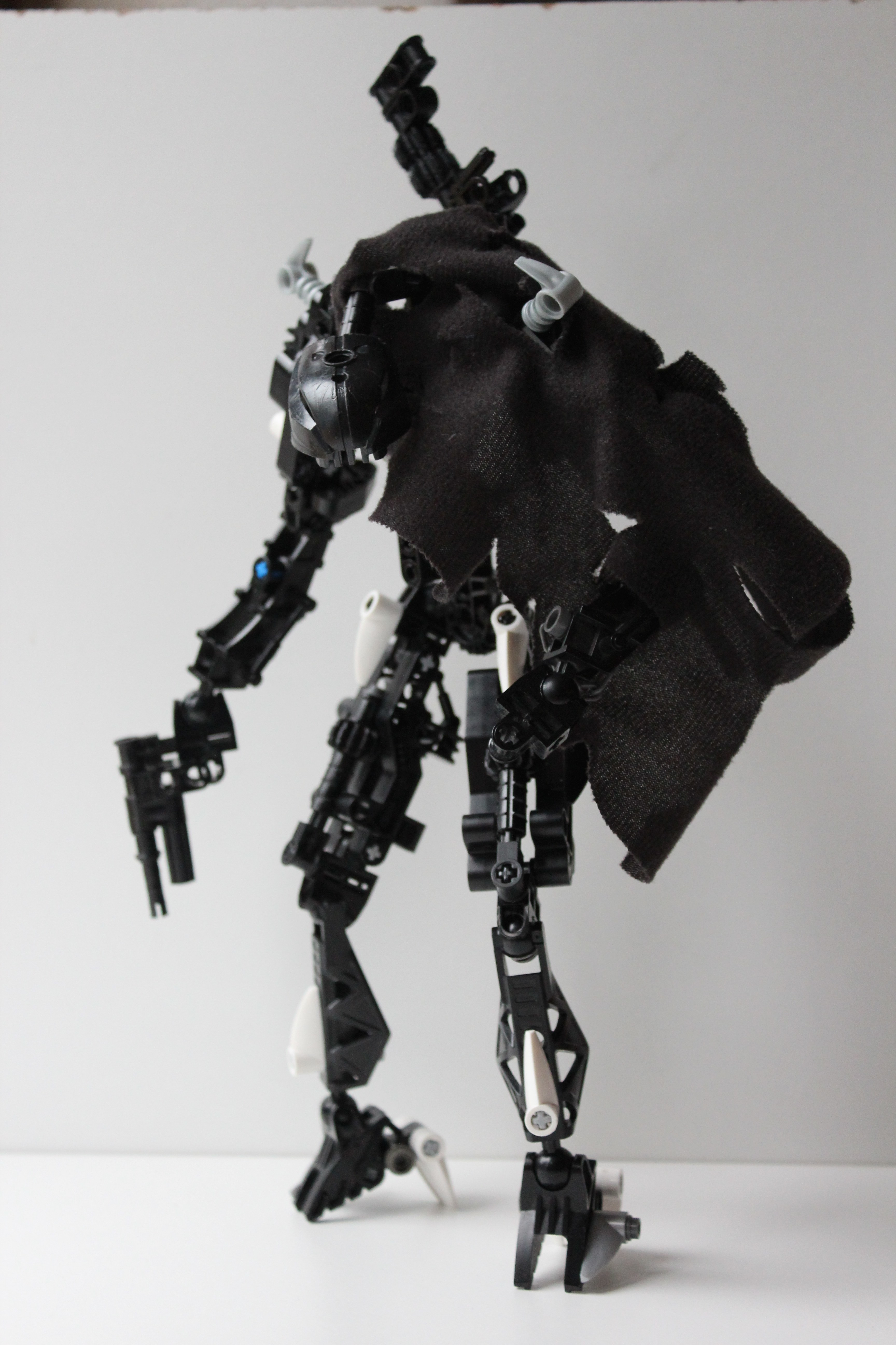 First proper MOC: Dark Umbra (it's meant to be generic) - Lego